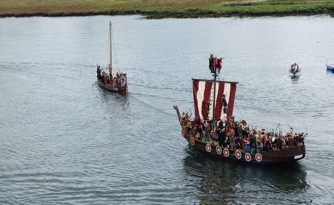Romería Vikinga de Catoira desembarco